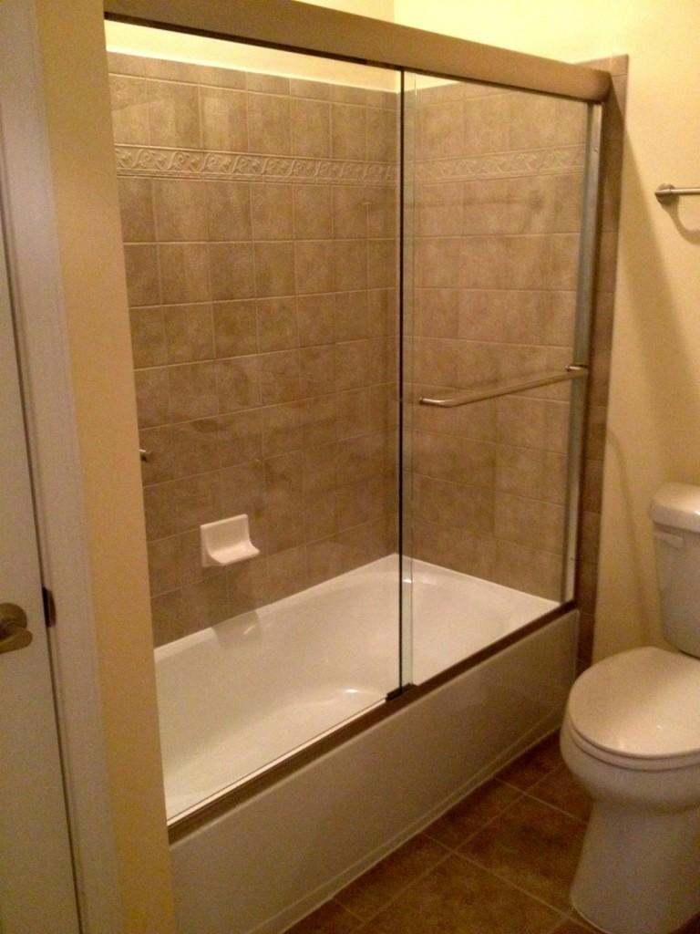 Midlothian Semi Frameless Sliding Glass Bathtub Enclosure Virginia